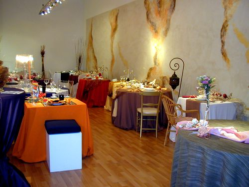 Showroom bologna for Noleggio arredi bologna